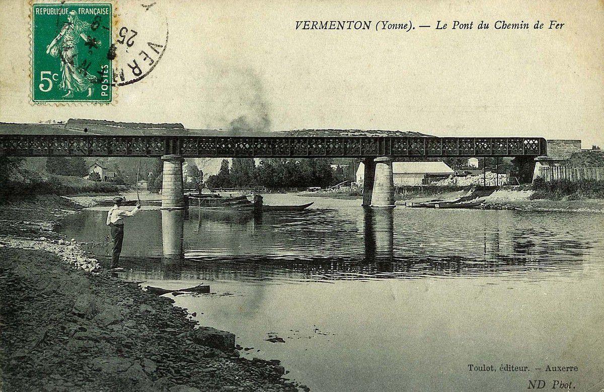 Pont du chemin de fer (sur la Cure) Vermenton (89)