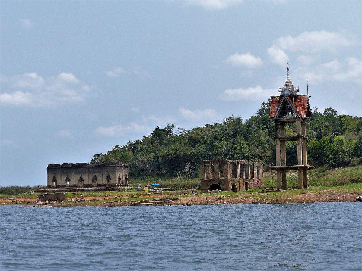 De Kanchanaburi à Sangkhlaburi, le long de la rivière Kwaï...