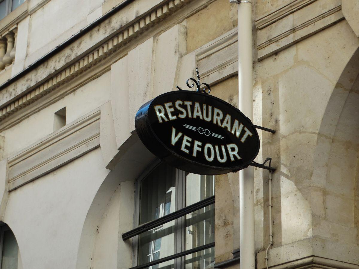 Paris – 1er arrondissement – Le Palais Royal (son histoire … suite)