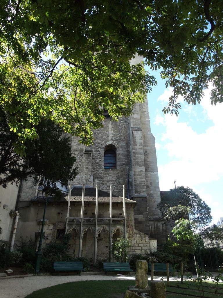 Quartier Saint Germain des Près - Square Laurent-Prache