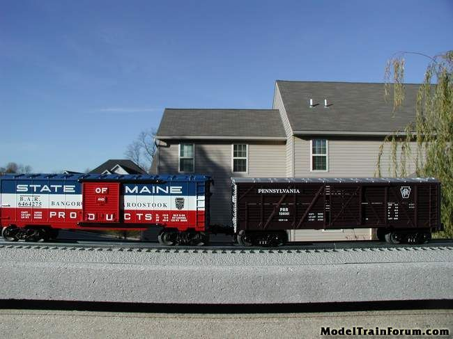 Lionel Traditional v. MTH Rugged Rails
