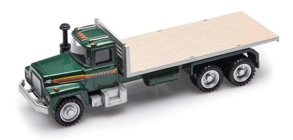 Le camion plateau MACK de nouveau disponible chez Menards