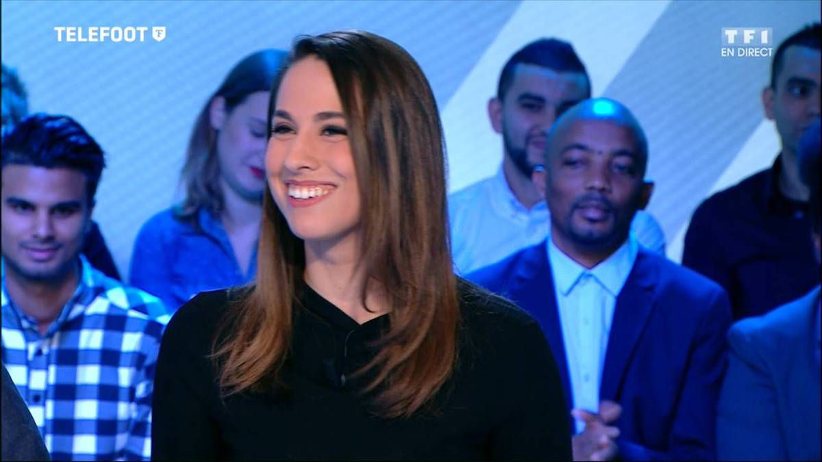 Charlotte Namura Téléfoot TF1 le 06.11.2016