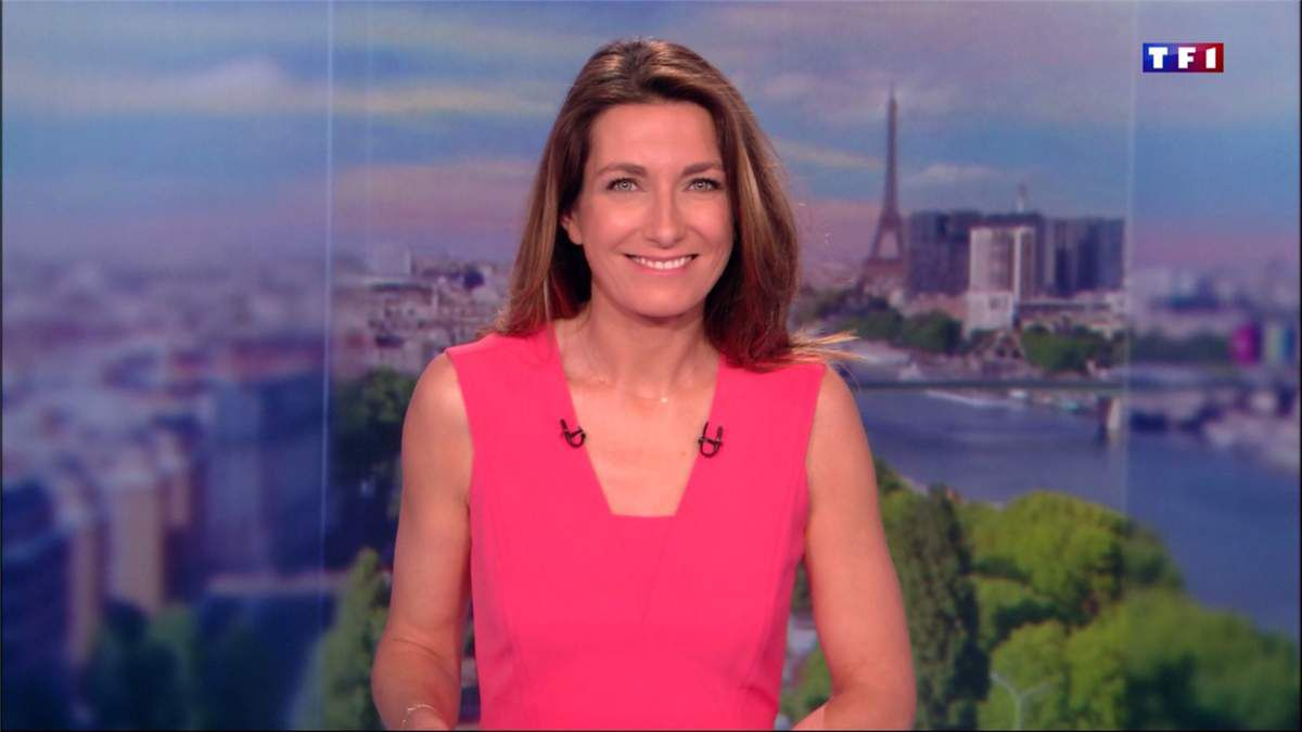 Anne-Claire Coudray JT 13H TF1 le 11.03.2017