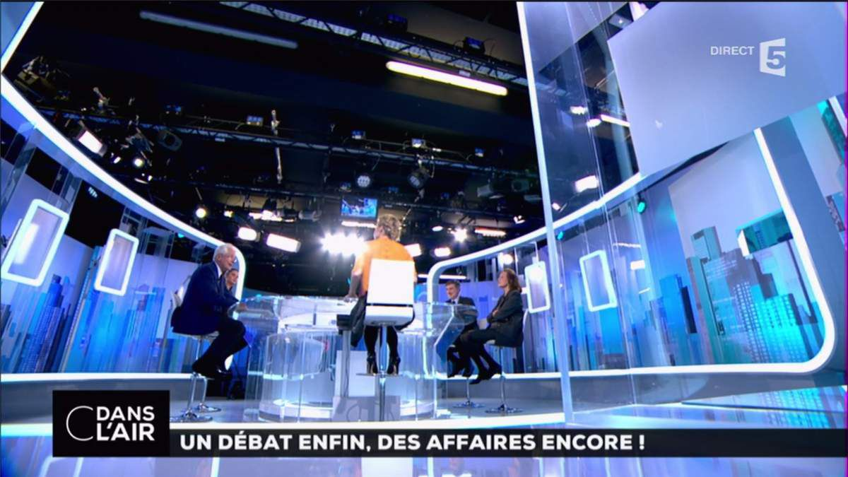 Caroline Roux C Dans l'Air France 5 le 21.03.2017