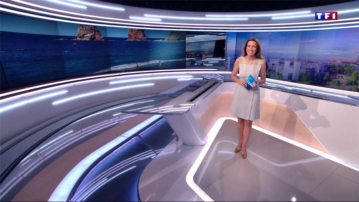 Anne-Claire Coudray JT 13H TF1 le 30.04.2017