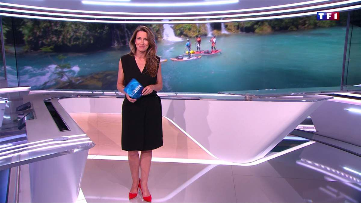 Anne-Claire Coudray JT 20H TF1 le 16.06.2017