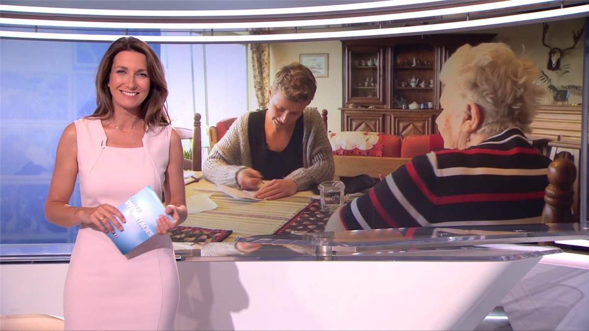 Anne-Claire Coudray JT 13H TF1 le 01.07.2017