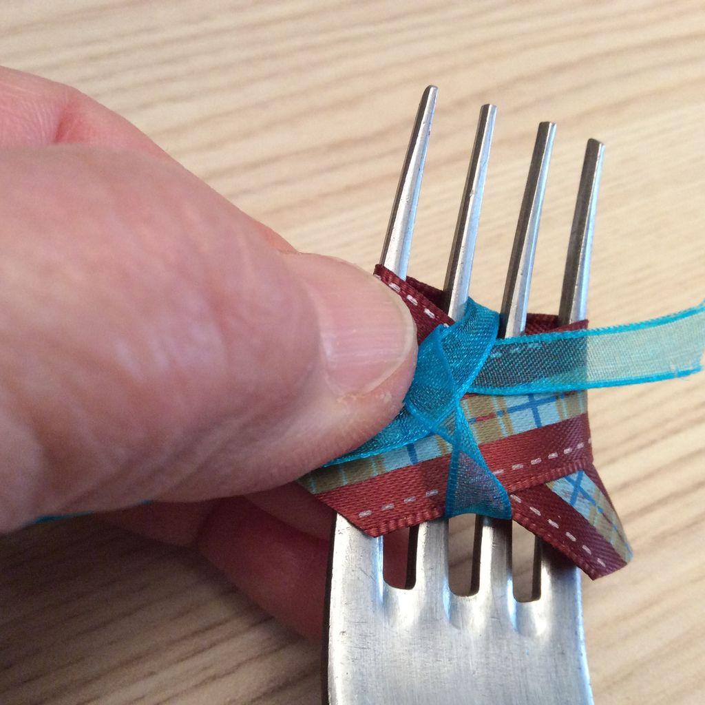 Petit noeud à la fourchette