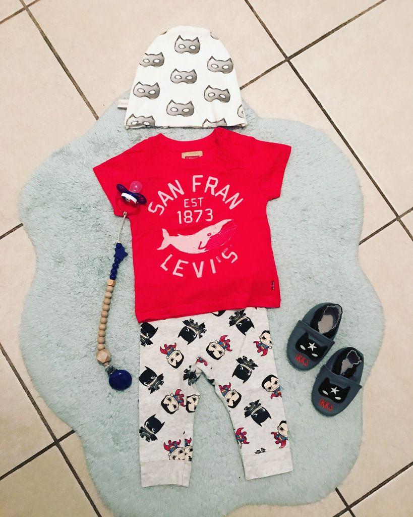 Bonnet #happyleonie - TeeShirt #levis - Legging #HM - Chaussons #ikks