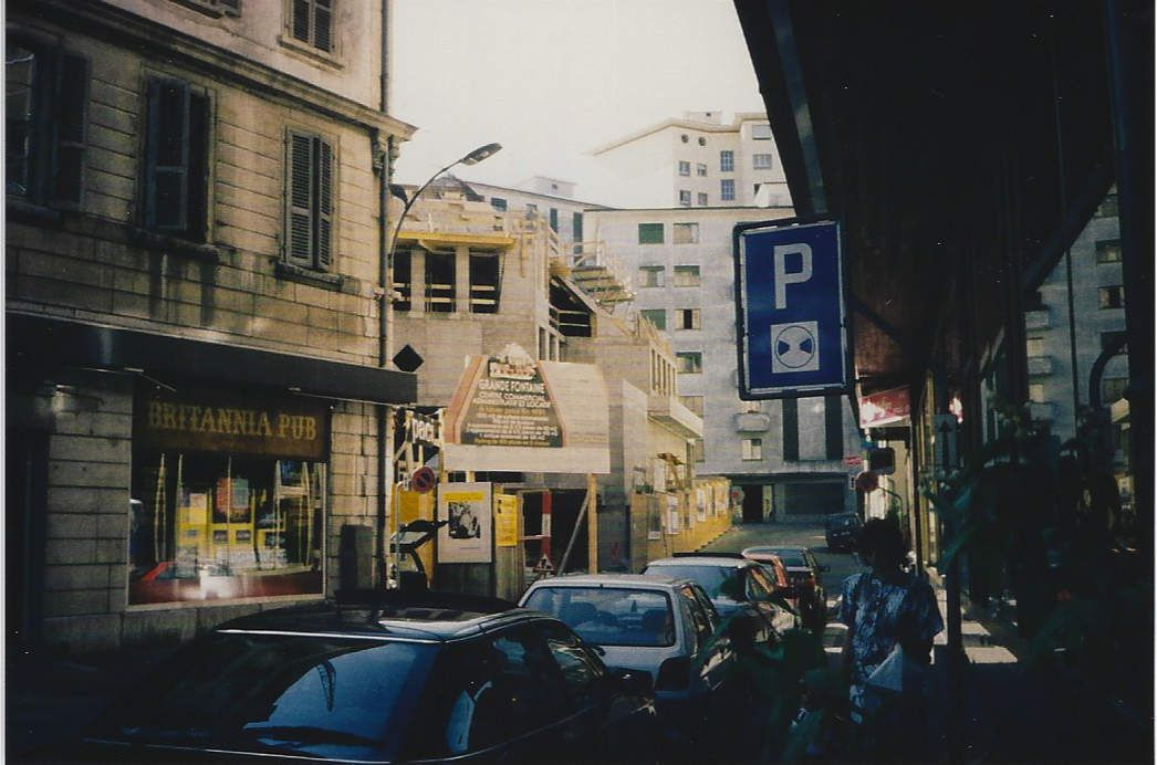 Construction en 1991 du Centre Commercial Grande Fontaine