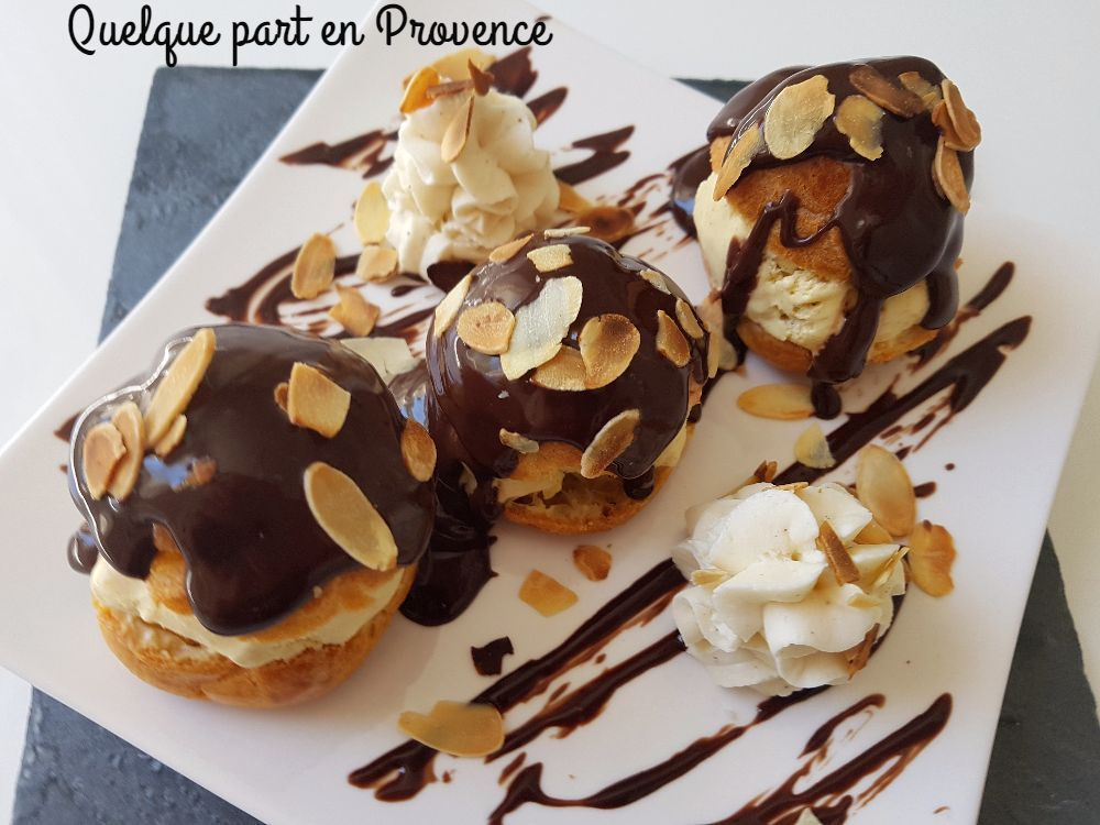 profiteroles glace a la vanille et chantilly quelque. Black Bedroom Furniture Sets. Home Design Ideas