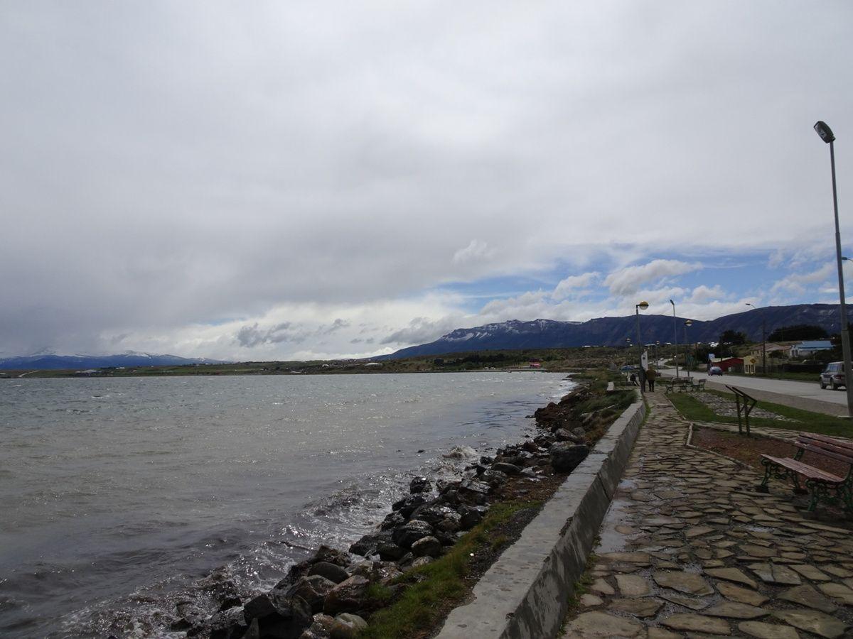 Vue depuis le bord de mer (Seno Última Esperanza)
