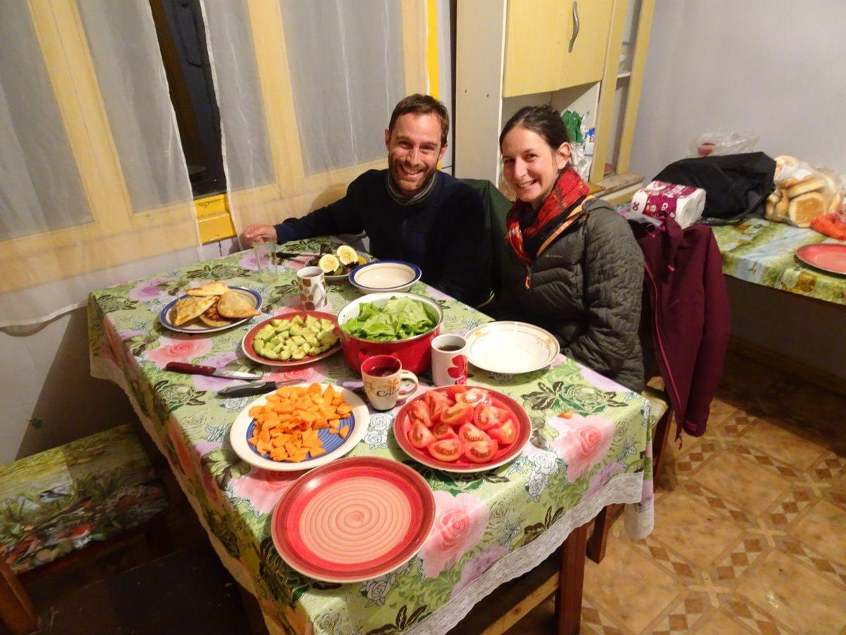 Petit repas avant le départ pour Torres del Paine avec notre ami hollandais