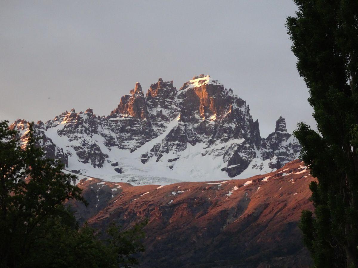 Vue sur le Cerro Castillo au coucher du soleil