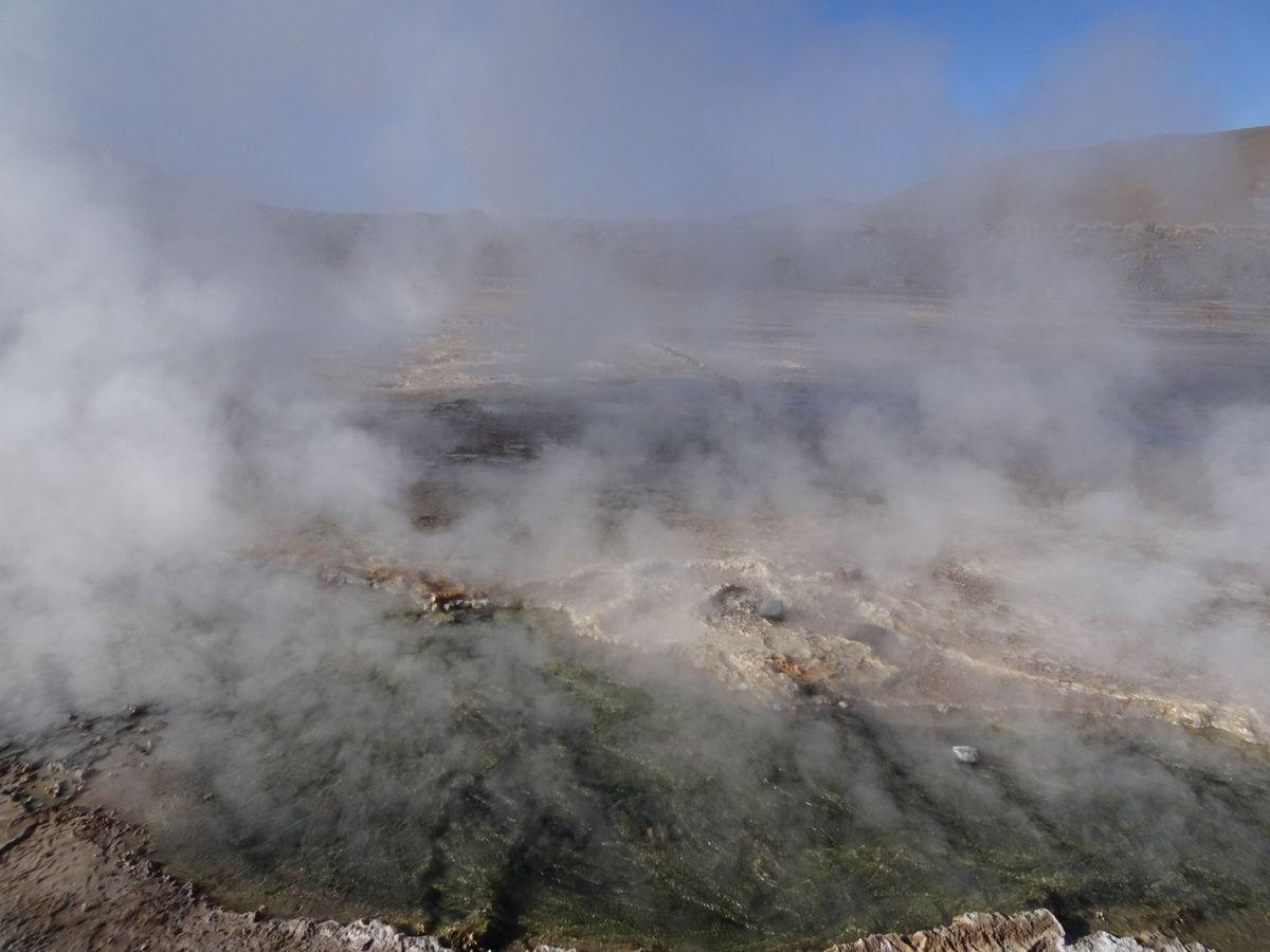 Les magnifiques fumées des geysers !
