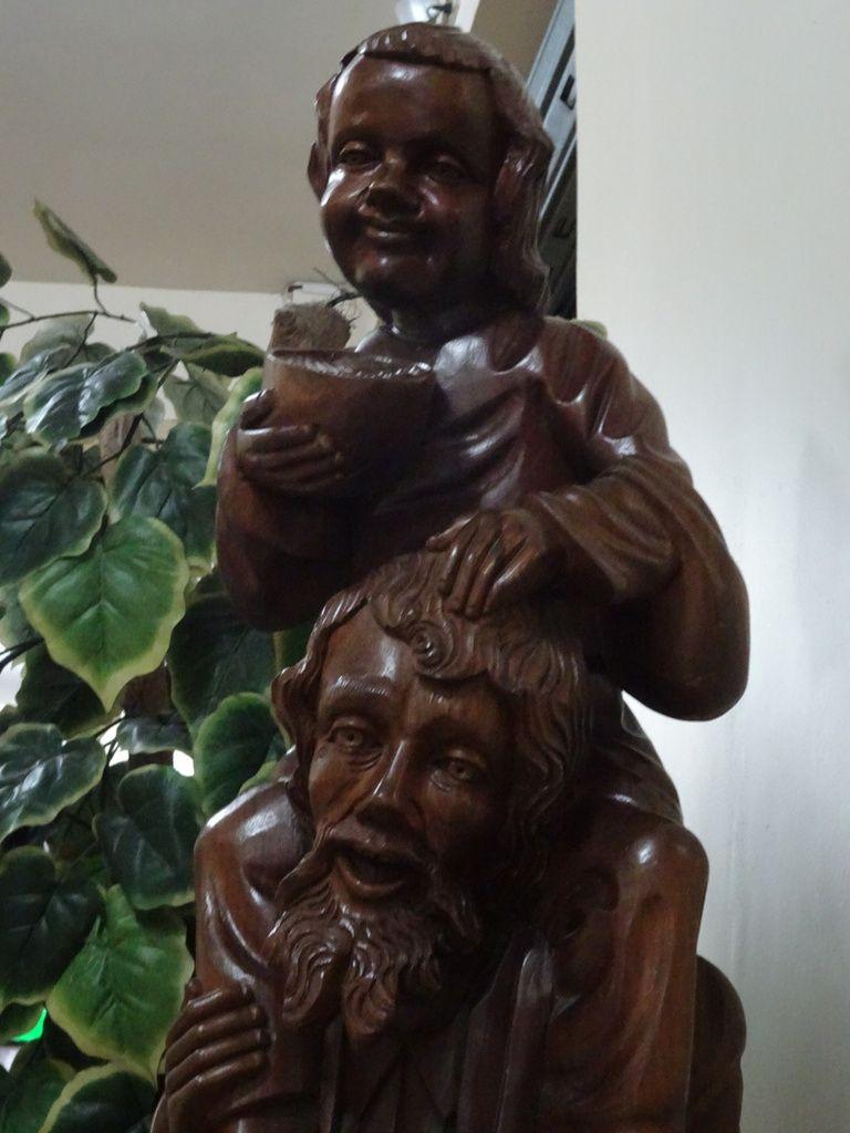 Statue à l'entrée de l'hôtel...