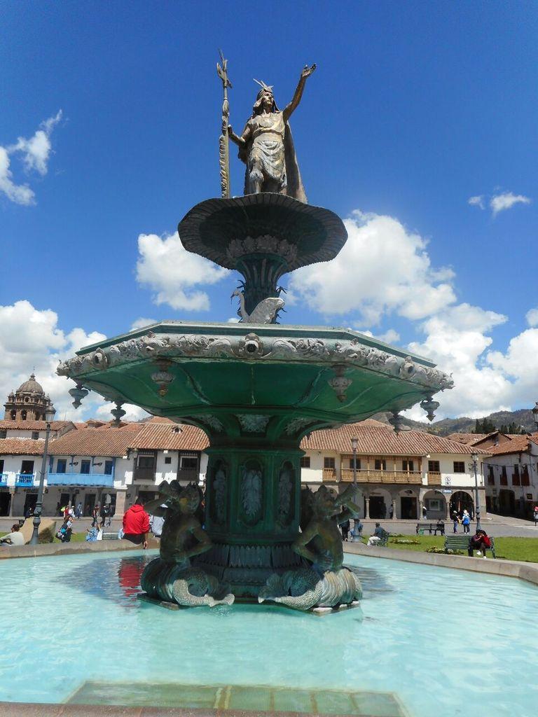 Statue d'un chef amérindien sur la Plaza