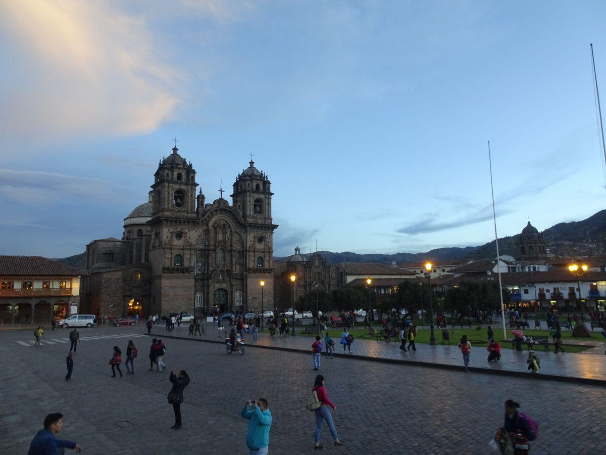 La Compañía et la cathédrale sur la Plaza de Armas