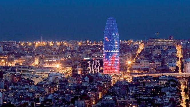 "La ""Torre Agbar"" à Barcelone"