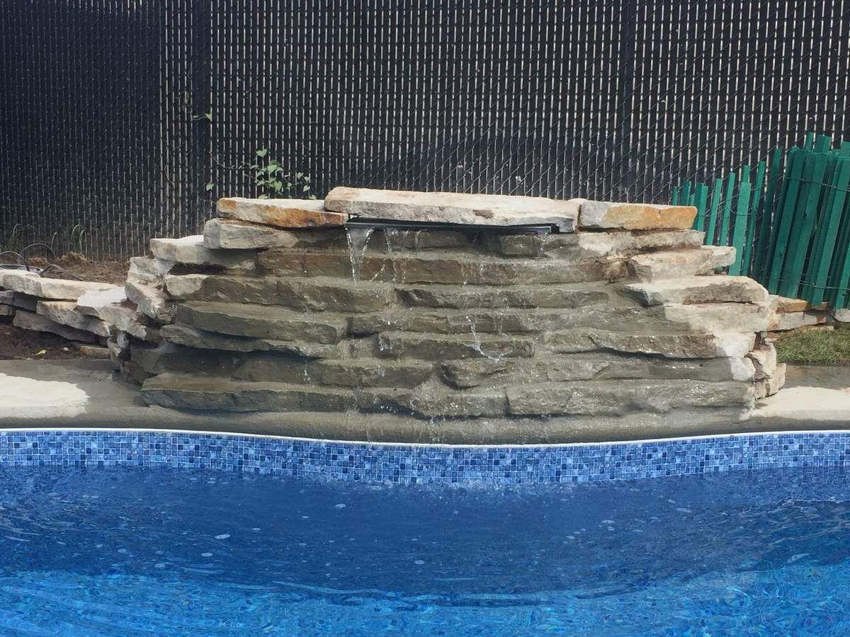 la piscine et la cascade