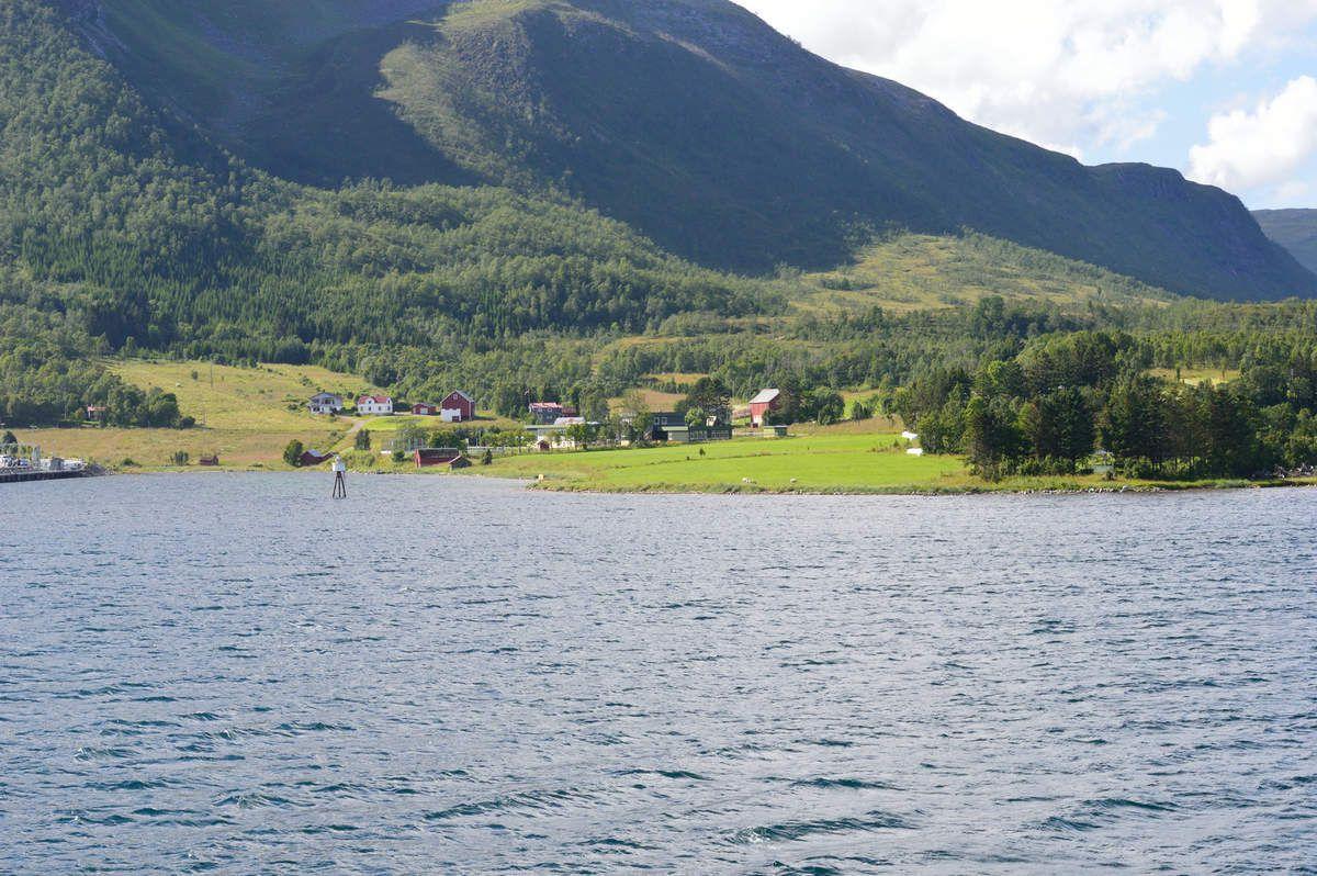 9:  Tromsø a Stokmarknes