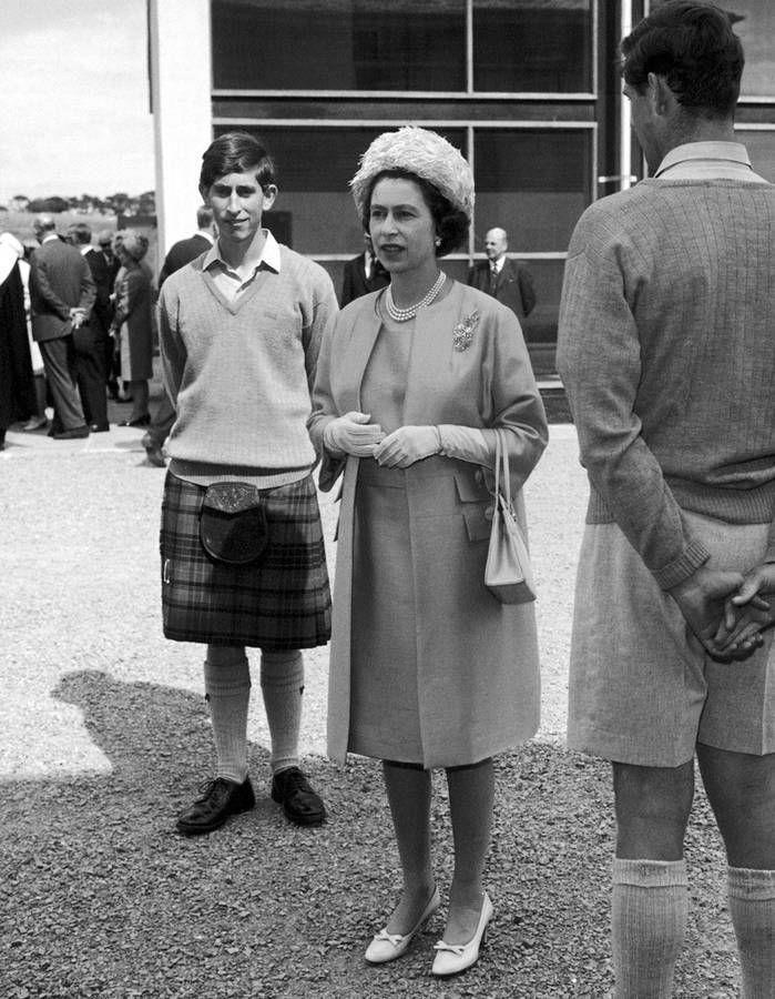 En 1967 avec le Prince Charles en kilt