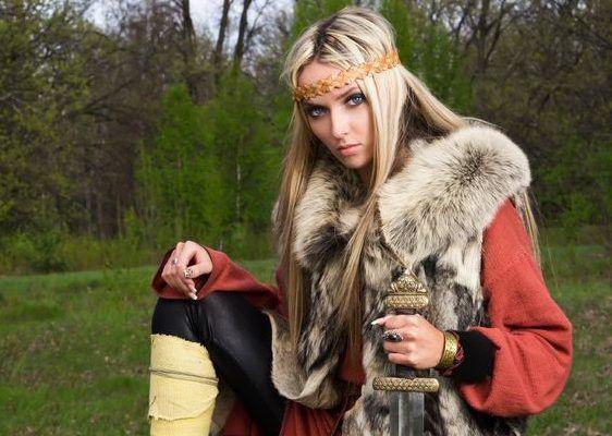 La Première Femme Guerrière Viking a été découverte en Suède  (Lagherta ?)
