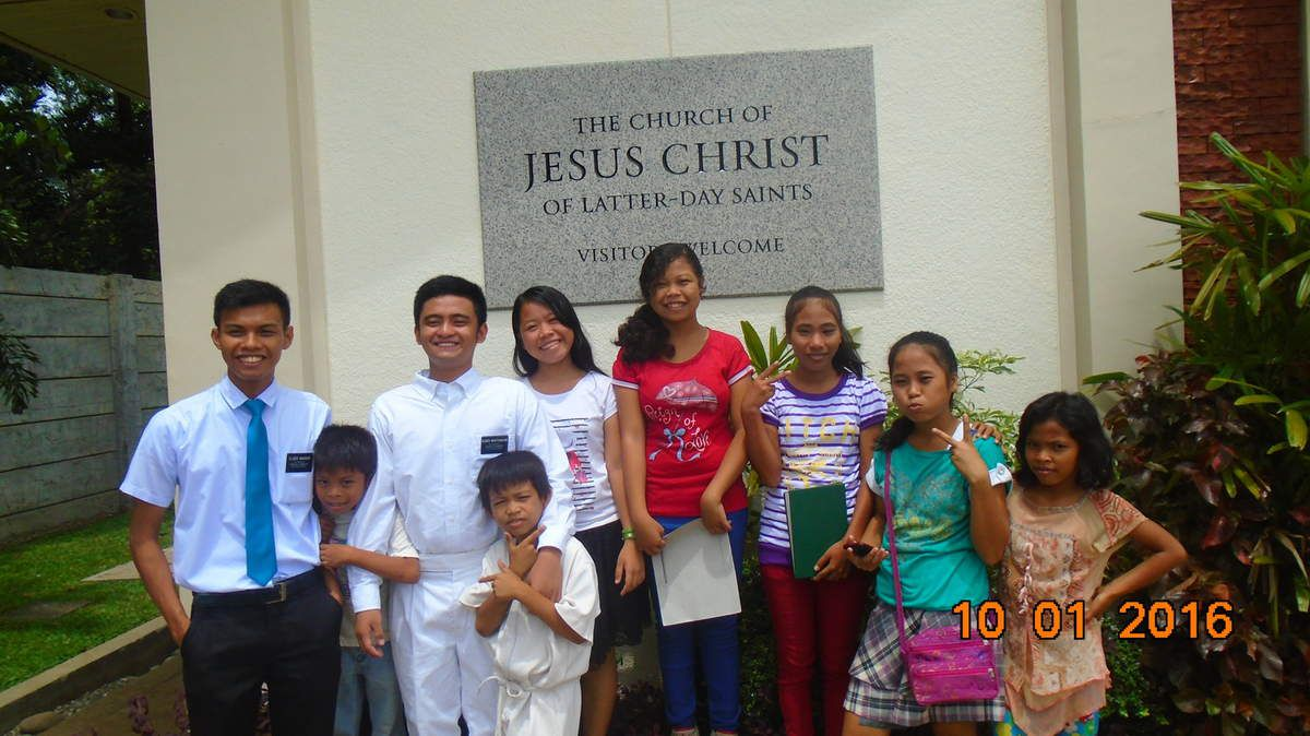 Brother Xyrel Jade Eulatres, Bro Jade, Sisters Emilou, Ivy Diana Rogelyn and Carla