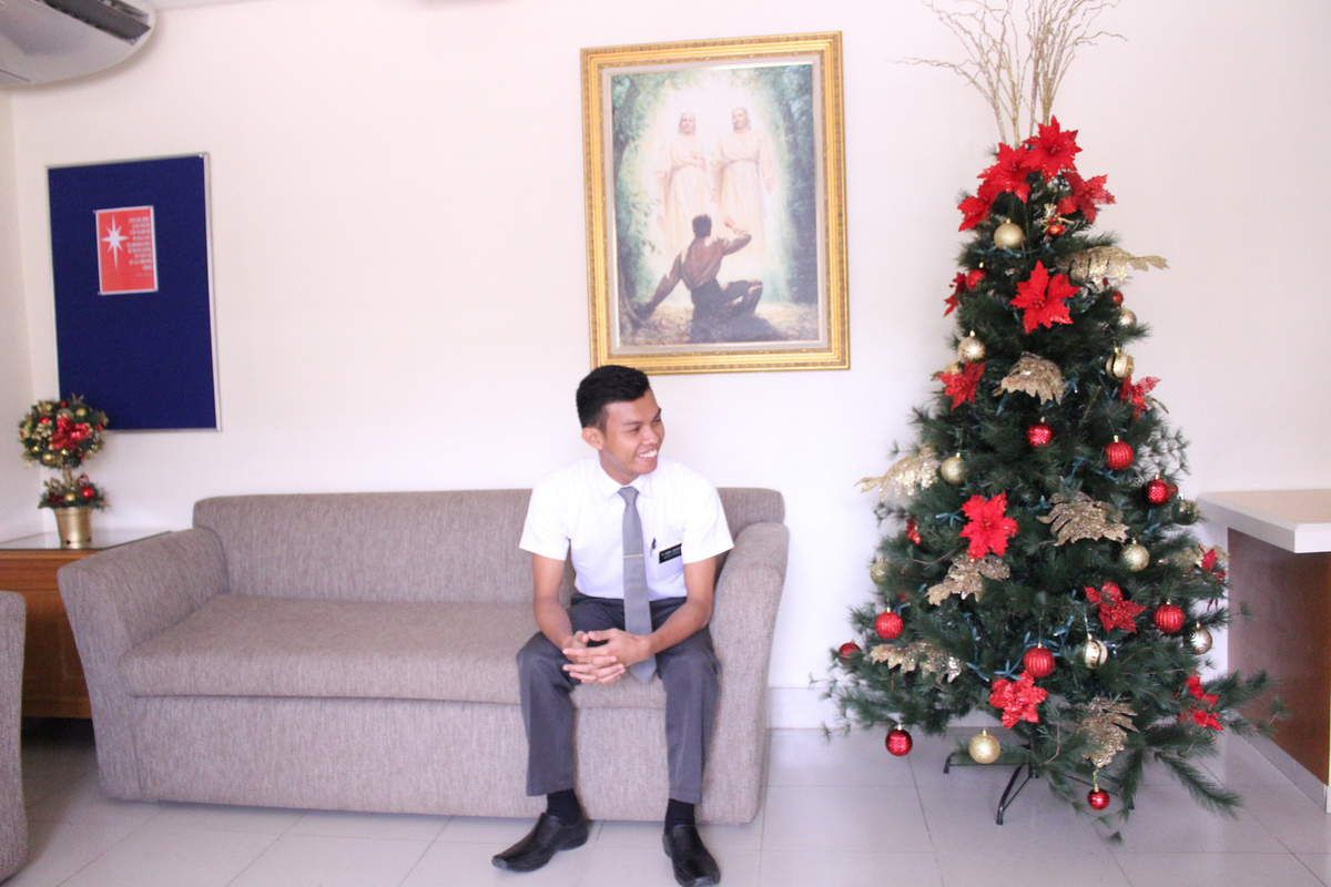 Here's the new CHRISTMAS TREE by Sister Antenorcruz