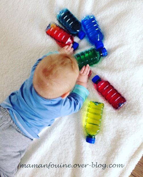 Petites bouteilles sensorielles colorées