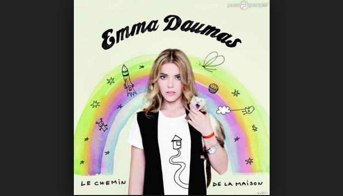 Dix ans après &quot&#x3B;Le Chemin de la maison&quot&#x3B;, Emma Daumas pousse un coup de gueule aux géants de la musique