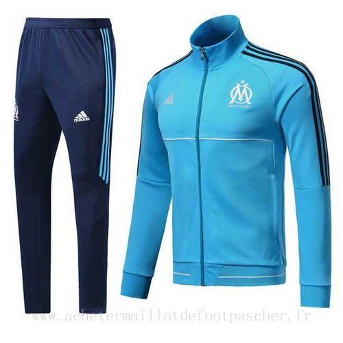 ensemble adidas foot