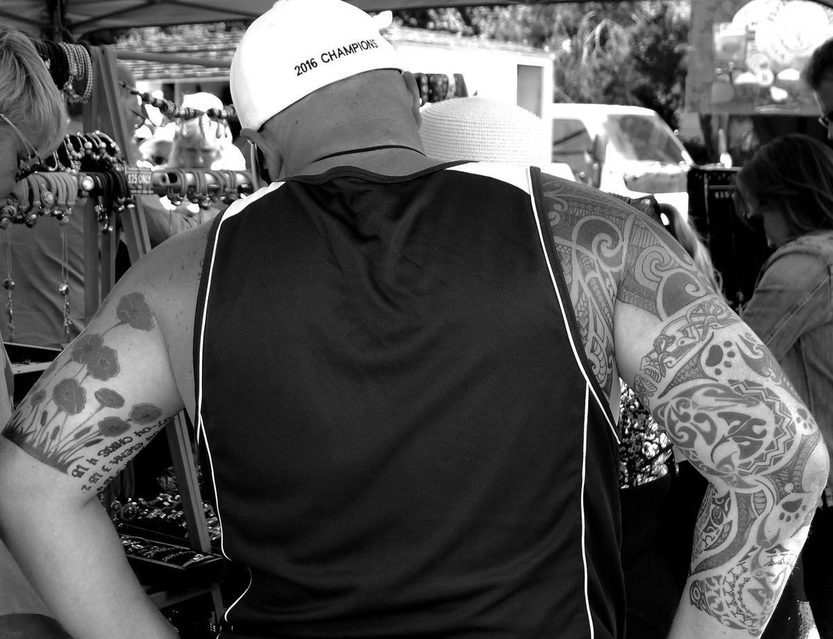 chapeaux et tatouages