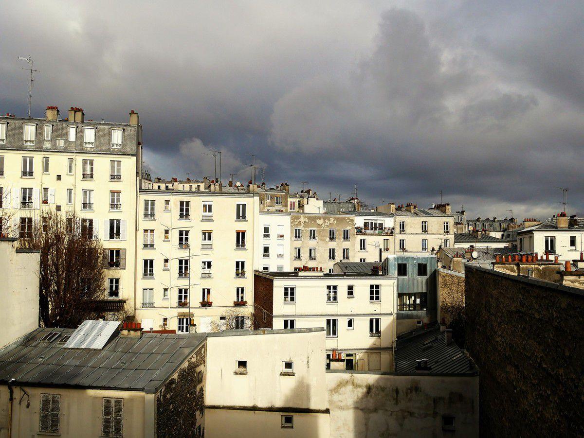 10 janvier Vers la rue Muller (photo prise du 14 rue André Del Sarte) 13h.