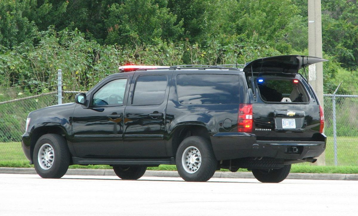 (Chevrolet Suburban, photo de Lee Woods, www.policecarwebsite.net)