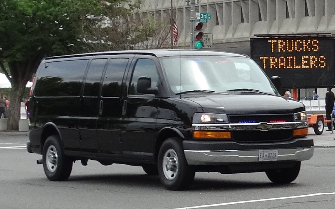 (Chevrolet Express, photo de rwcar4, www.policecarwebiste.net)