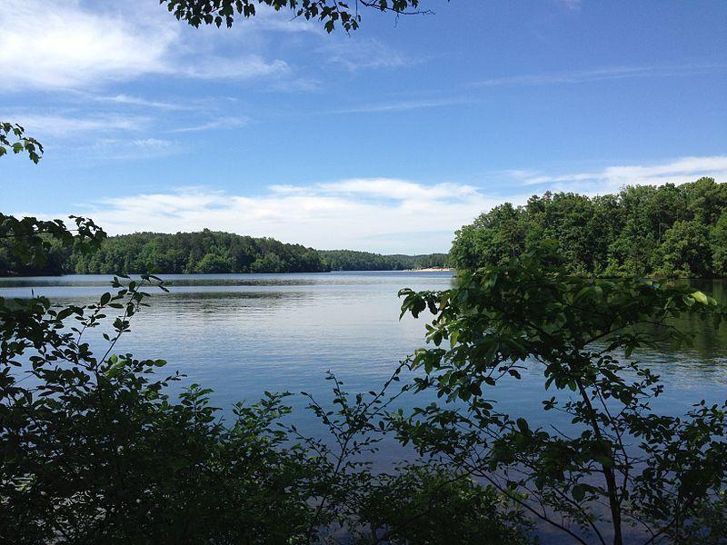 (Lake Lurleen, photo de AJ4TBama, 26/05/2013, wikipédia)