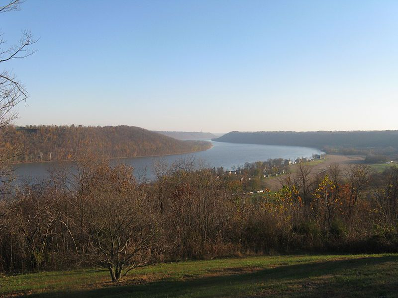 (Ohio River, Indiana, photo de Mpevans, 10/11/2009, wikipédia)