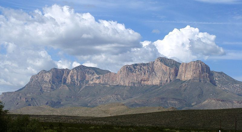 (Guadalupe Peak, Texas, photo de Zereshk, 21/10/2007, wikipédia)