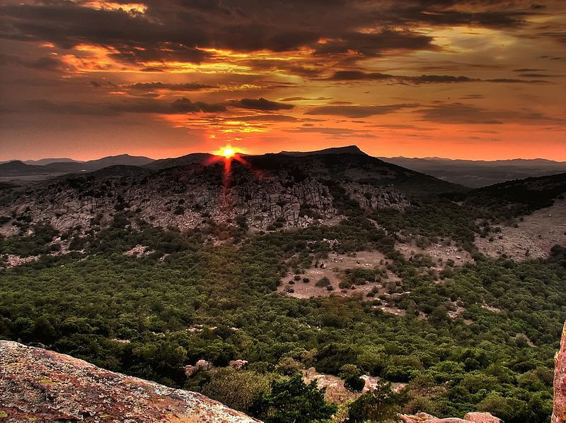 (Wichita Mountains, Oklahoma, photo de jonathan c. wheeler, 27/09/2009, www.panoramio.com)
