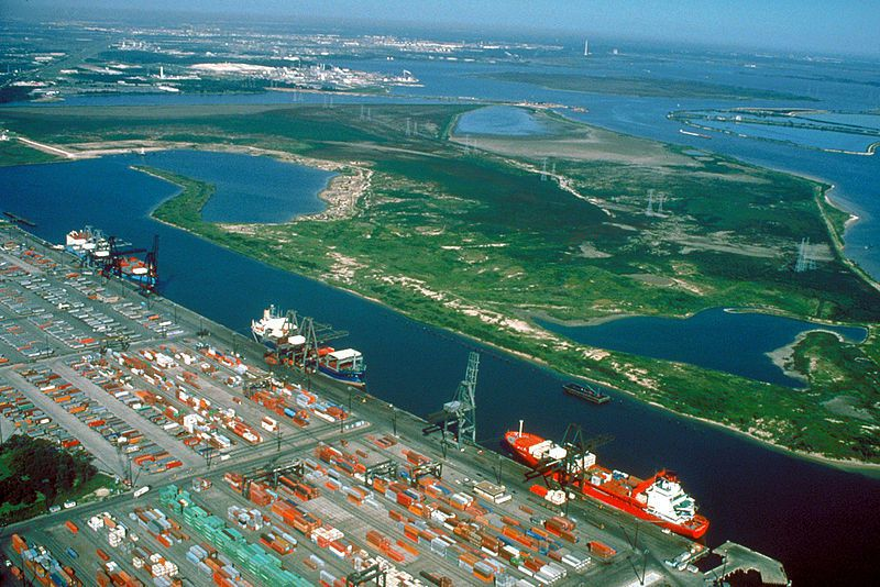 (Port de Houston, Texas, photo US Army Corps of Engineers, wikipédia)