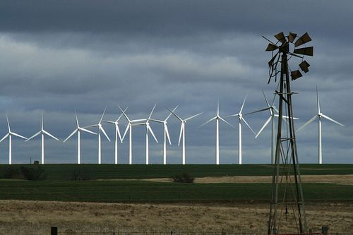 (Éoliennes dans l'Oklahoma, photo www.keepoklahomabeautiful.com)