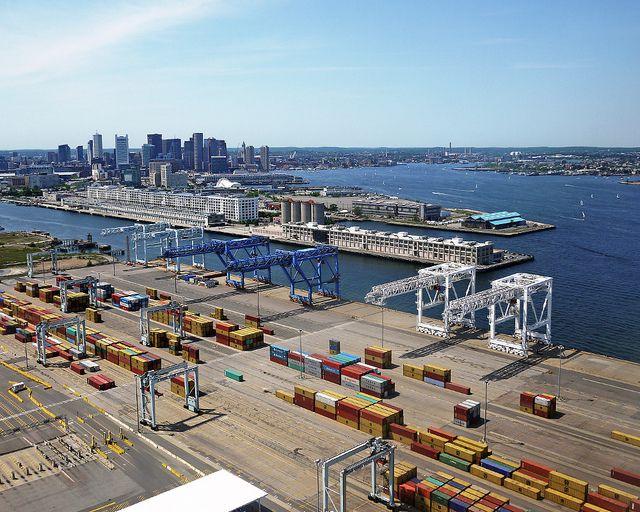 (Port de Boston, photo de Kim Erikson, 26/07/2012, www.flickr.com)