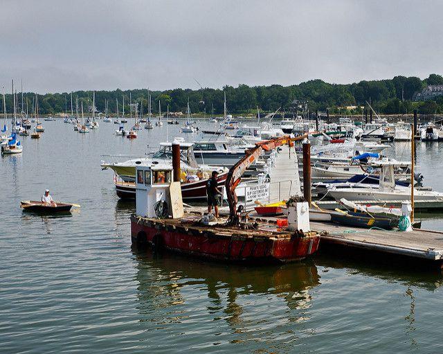 (Port de Hingham, photo de Timothy Valentine, 24/08/2009, www&#x3B;flickr.com)