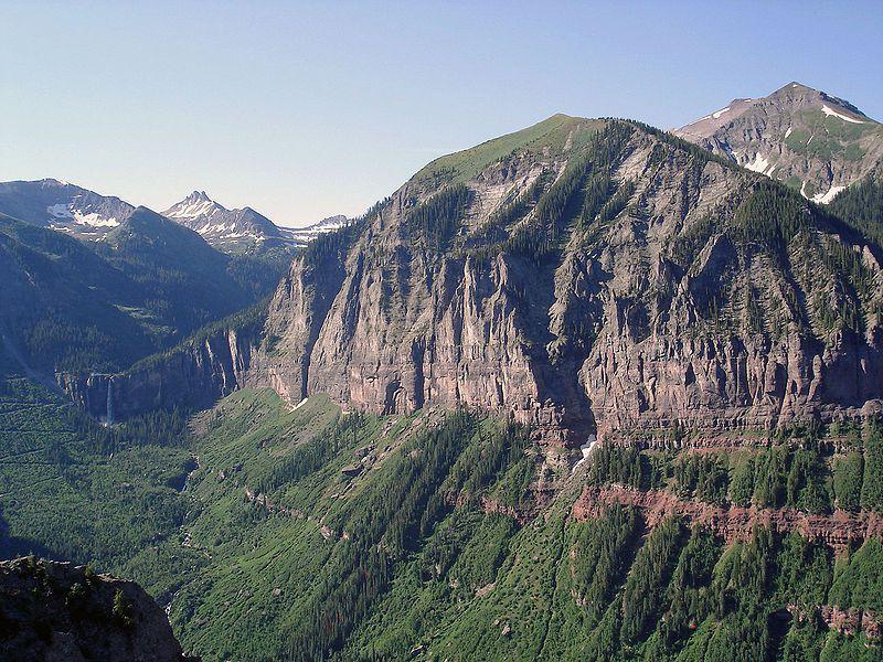 (Hauteurs près de Telluride, photo de Jackbauerinvc, 13/01/2007, wikipédia)
