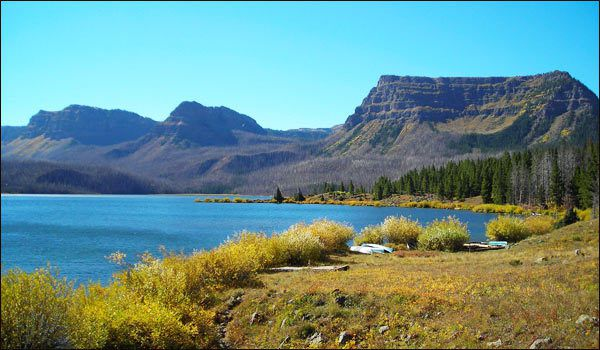 (Trappers Lake, photo www.trapperslake.com)