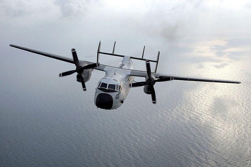 (C-2 A du VRC-40 de Norfolk, VA, dans le Golfe d'Arabie, photo de Mate 2nd class Aaron peterson, US Navy, 27/12/2003, wikipedia)