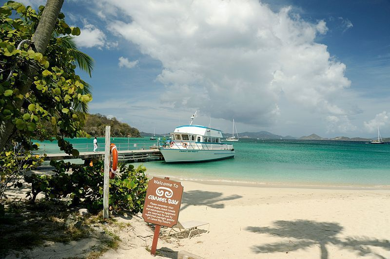 (Navette touristique à Caneel Bay, photo de Fred Hsu, 05/2009, wikipedia)