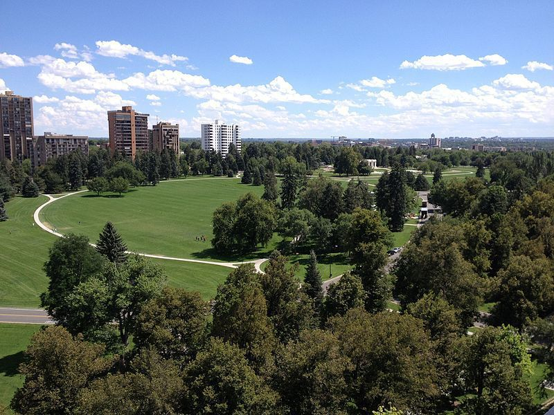 (Cheesman Park, photo de R0uge, 15/08/2015, wikipedia)
